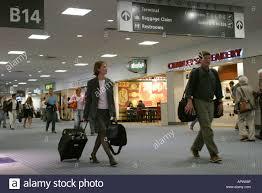 georgia peach state atlanta airport concourse b passengers