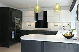 cuisine blanche grise cuisine moderne grise superbe modele cuisine blanche et grise
