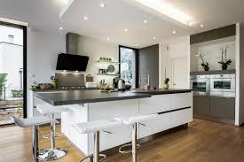 plan maison cuisine ouverte superbe plan maison cuisine ouverte 2 et si lon osait le
