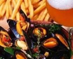 cuisiner des moules au vin blanc recette moules marinières avec frites