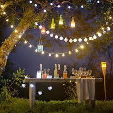 lichterkette fã r balkon best 25 outdoor garden lighting ideas on garden