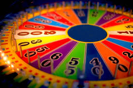 wheel of fortune vanna white 6 000 episodes u2014 and dresses time com