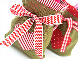burlap gift bags scrapbusters heart themed gift bags in burlap cotton sew4home