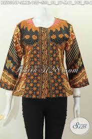 desain baju batik halus baju batik wanita karir hadir dengan desain tanpa krah berbahan
