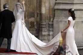 royal wedding dress sarah burton reveals dress u0027honour u0027 mirror