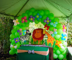 jungle theme decorations the crafty reporter baby katia s birthday party