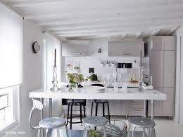 cuisine americaine appartement 5 intérieurs en blanc pour agrandir votre surface décoration