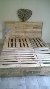 Crate Bed Frame Pallet Bedroom Suite Chambre En Palette Pallets Bedrooms And