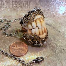halloween jewelry crafts goblin teeth this has to be one of the creepiest pieces of