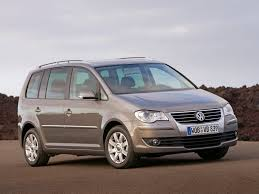 volkswagen touran photos photo gallery page 4 carsbase com