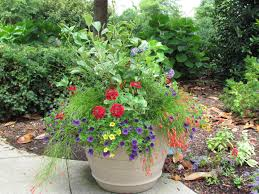 Planter Garden Ideas Front Yard Garden Planters Ideas And Creative Planter