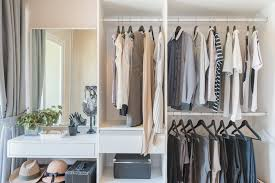camelot homes top five tips to organize your walk in closet