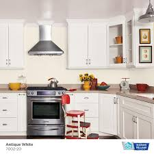 antique white kitchen cabinets sherwin williams hgtv home by sherwin williams showcase semi gloss antique white 7002 20 interior paint 1 quart