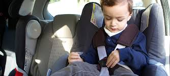 siege enfant obligatoire sécurité enfants attacher enfant en voiture apr
