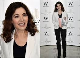 nigella lawson nigella lawson shows off weight loss as book is criticised for