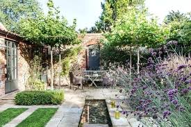 large garden features large garden wall features incorporating