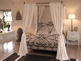chambre baldaquin chambre avec lit baldaquin 11 decoration 9 lzzy co