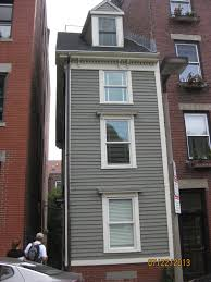 Narrowest House In Boston Life At The Henson House Boston