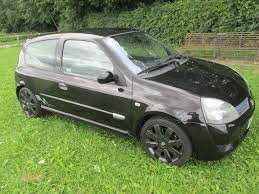 renault clio sport 2004 used renault clio renaultsport 182 for sale motors co uk