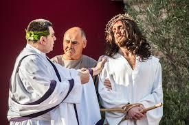 imagenes de jesus ante pilato el rendrijero el pueblo siempre elige a barrabás