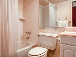 spacious 2 bedroom plus loft top floor condo with open floor plan