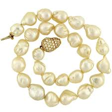 clasp gold necklace images Contemporary baroque pearl necklace with diamond gold clasp for jpg