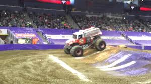 monster truck shows in indiana monster jam evansville 2015 youtube