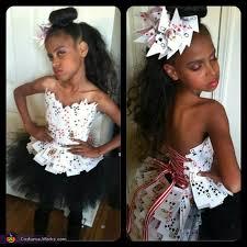 Halloween Costumes 3 Girls Dad Transforms 3 Daughter Fiercest Woman