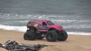 hara arena monster truck show scarlet bandit freestyle at monster at the beach youtube