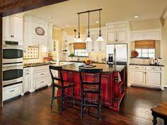 hgtv kitchen islands best 25 traditional kitchens with islands ideas on