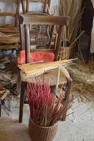 rempailler une chaise rempaillage maître rempailleur