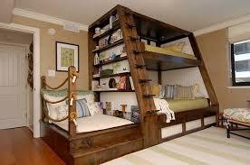 kleine kinderzimmer etagenbett aus holz für kleine kinderzimmer mar