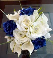 white and blue roses best 25 blue bouquet ideas on flowers for