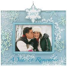 a year to remember 2017 snowflake picture frame ornament