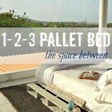 Making A Platform Bed From Pallets by Instructions To Make A Queen Sized Pallet Bed Frame Decor