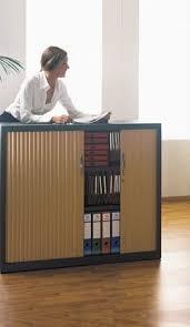armoire à rideau bureau poids de l armoire de bureau à rideaux simon bureau