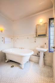 Vintage Bathroom Decor by 152 Best Vintage Bathrooms Images On Pinterest Vintage Bathrooms