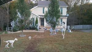 Skeleton Dog Decoration 10 Spooky Outdoor Halloween Decoration Ideas For Festival Of The Dead