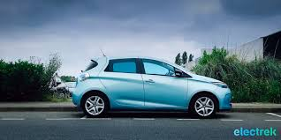 renault green first impression the little 2017 renault zoe guillotines the