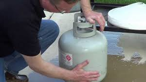 how much propane in tank easy test to check propane level youtube
