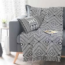 plaid canapé noir jeté en coton noir blanc 160 x 210 cm evora interiors design