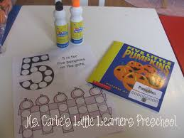 Halloween Crafts For Pre K by Ms Carlie U0027s Little Learners Preschool Halloween Activity Five