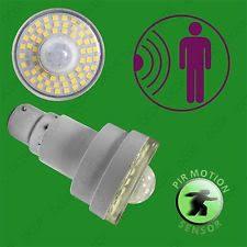 led light bulb with dusk to dawn sensor tri linx lites tri lynx lites 00027b 12 led light plus motion and