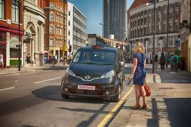 nissan nv200 taxi nissan unveils new london taxi evo