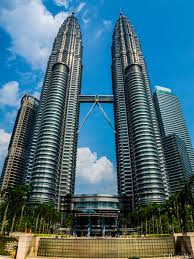 petronas twin towers in kuala lumpur attraction in kuala lumpur