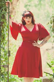 laura byrnes california plus size viva dress in red crepe 1940s