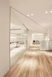 White Interior Designs by Best 20 Clinic Interior Design Ideas On Pinterest Modern