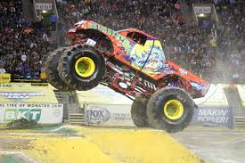 monster jam vancouver 2017 action packed live event wheels