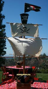 Big Impact Halloween Decorations by Diy Pirate Mast U0026 No Sew Sails Big Impact For Little Cost