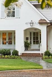 Front Porches On Colonial Homes by Best 25 White Brick Houses Ideas On Pinterest Brick Exterior